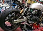 Préparation du montage d'une roue Ar de GSXR avec pneu en 180