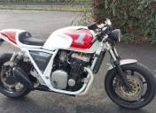 Arrivée de la moto à l'atelier