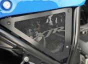 Changement du bocal de frein Ar et rangement des câbles derrière la grille