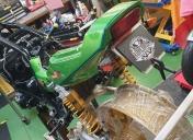 Réparation et présentation de la carrosserie Ar avant peinture.