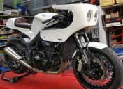 Triumph 1050 speed de Come