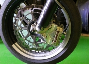 Patte pour montage d'étrier radial
