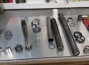 Modification de la fourche (-2;5cm) + nettoyage complet + joints spy neufs + modif du grade de l'huile