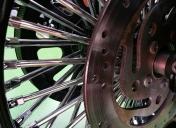 Montage de la roue Ar et système de freinage modifié.