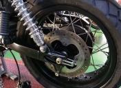 Montage du gros pneu Ar et centrage sur la moto
