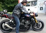 1ere rencontre avec son Pilote / Luis découvre sa moto