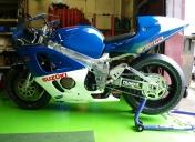 Suzuki GSXR 750 piste