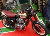 Kawasaki W650 by Raspo