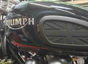 011-logos-triumph-et-pad-union-jack