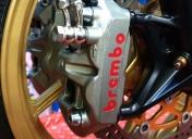 Freinage Av Brembo radial 4 pistons