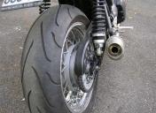 Gros pneu Ar
